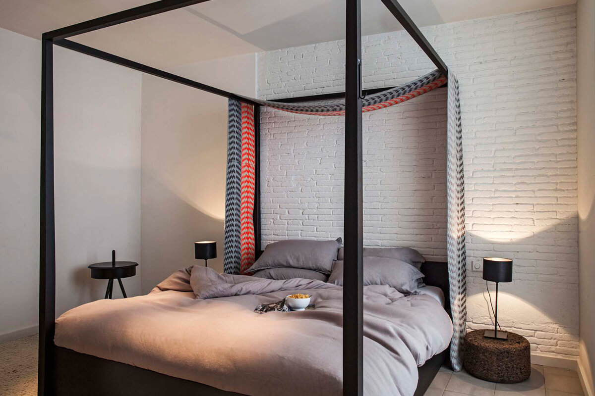 Intimate Quiet Oasis, Barcelona, Spain   vacation homes for rent