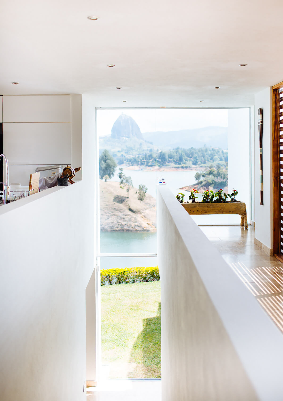 Modern Lake House, Guatapé, Colombia   holiday lettings