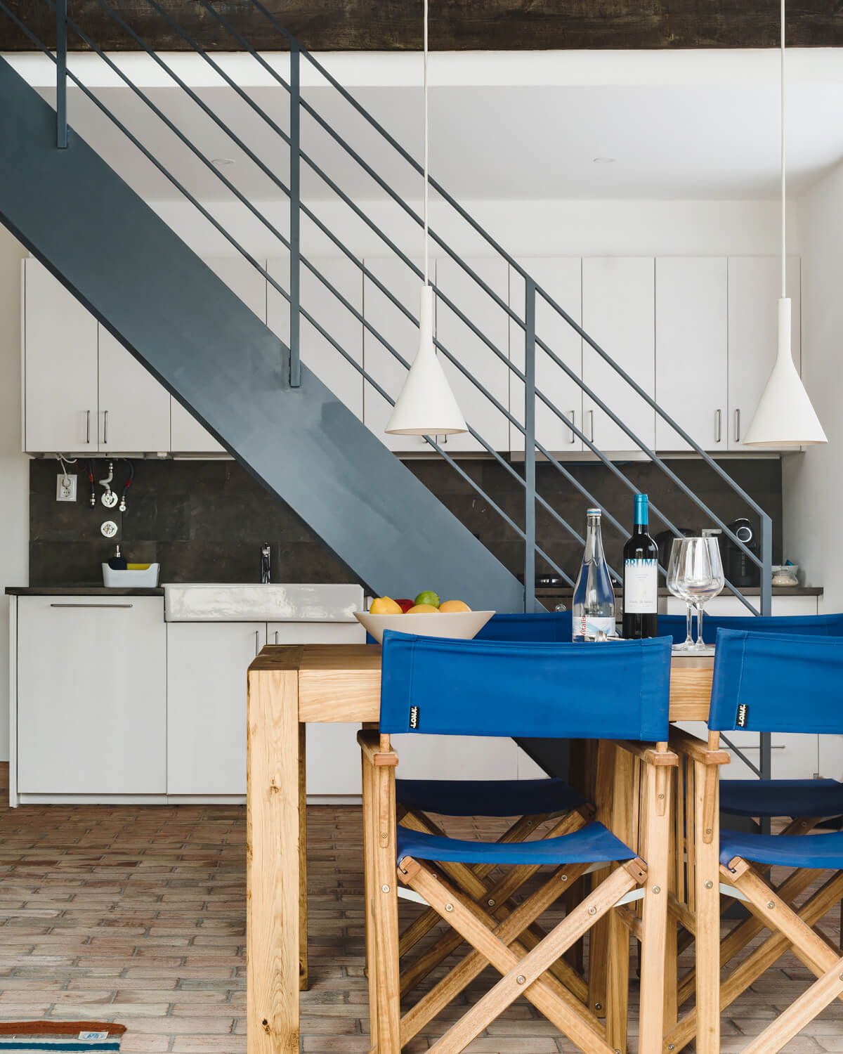Outpost - East Duplex, Colares, Portugal |
