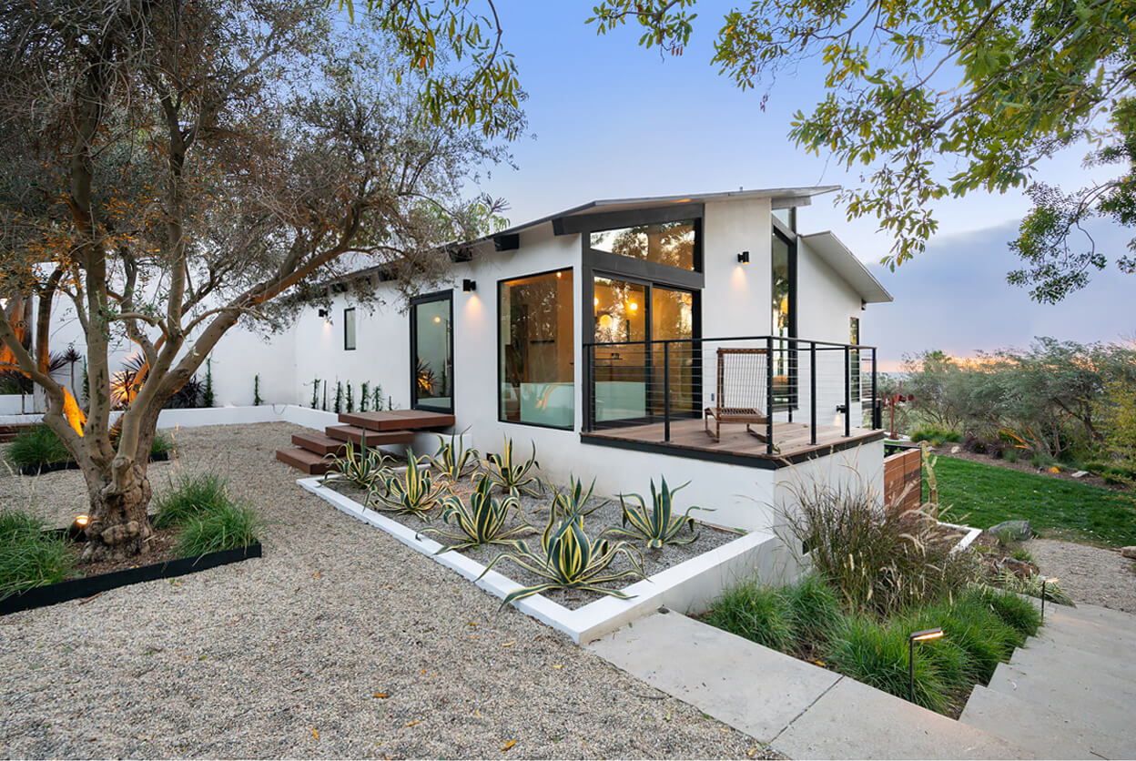 Maison d'artiste, Malibu, California | villas for rent, villas to rent