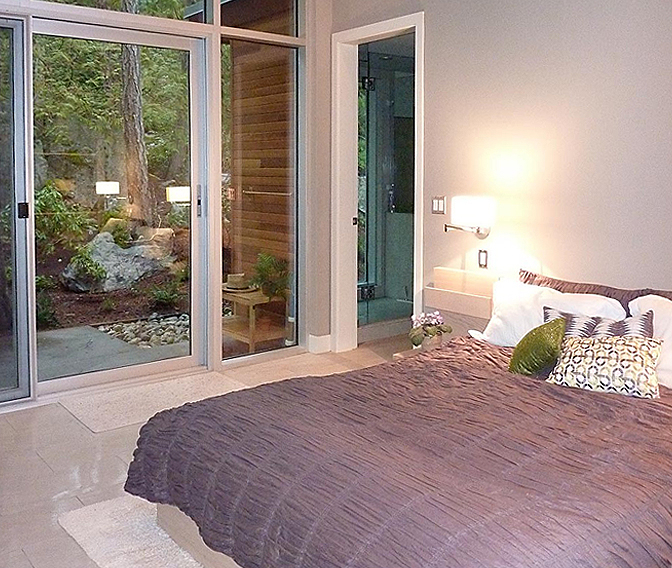 Pointhouse Aerie, Halfmoon Bay, British Columbia, Canada   holiday lettings