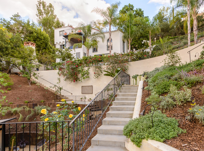 Events at Beachwood Cyn - Beachwood Canyon, California, United States | vacation home rentals