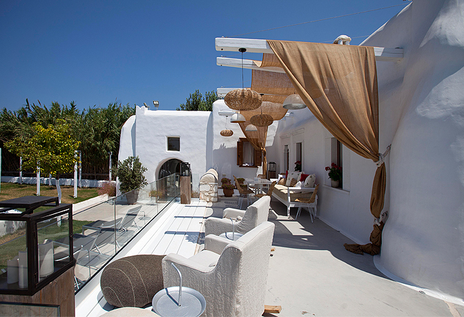 https://joinus.boutique-homes.com/storage/images/events/europe/greece/events-at-kallos-naxos/modern_vacation_rentals_naxos_island_0071.jpg?s=1