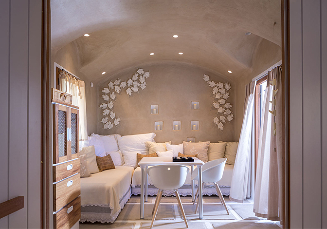https://joinus.boutique-homes.com/storage/images/events/europe/greece/events-at-kallos-naxos/modern_vacation_rentals_naxos_island_013.jpg?s=1