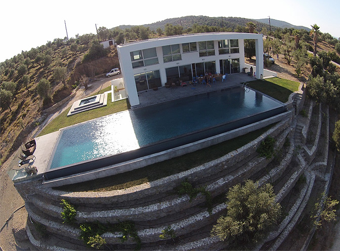 https://joinus.boutique-homes.com/storage/images/for-sale/europa/greece/avalonas-villa-lesbos-greece/modern_vacation_rentals_lesbos_greece_071.jpg?s=1