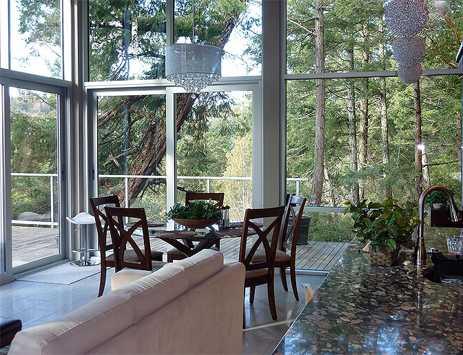 Pointhouse Aerie - Half Moon Bay, British Columbia, Canada   holiday lettings