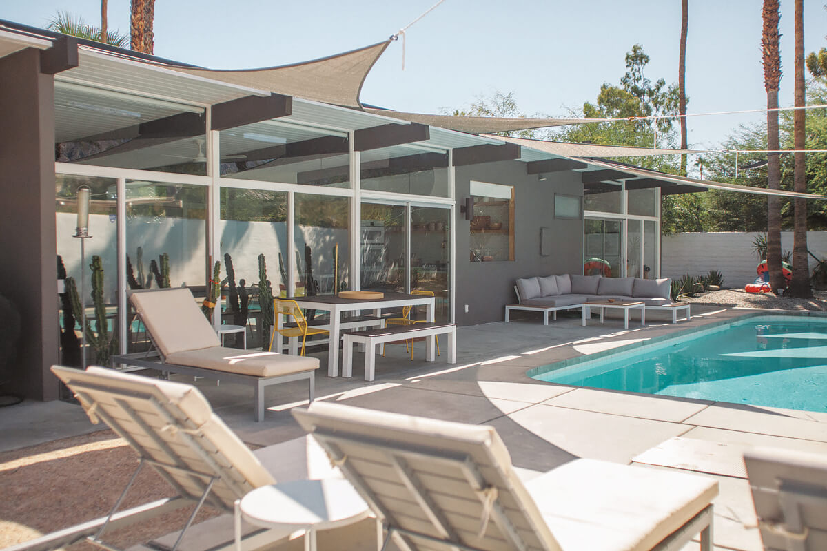Krisel Glass Cabin, Palm Springs, California | holiday homes, holiday rentals
