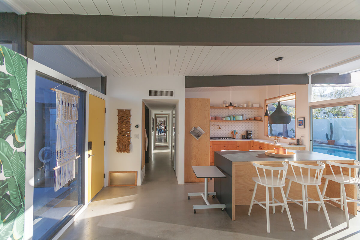 Krisel Glass Cabin, Palm Springs, California   holiday homes, holiday rentals