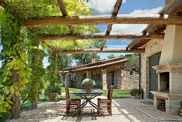 Collazzone Farmhouse, Umbria, Italy | villas for rent, villas to rent
