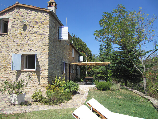 Il Tinello, Montefalcone Appennino, Marche, Italy   vacation homes for rent
