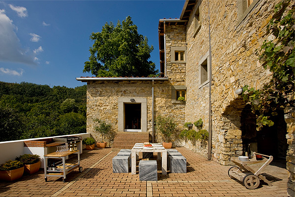 Tuscan Contemporary, Lunigiana, Italy | villas for rent, villas to rent