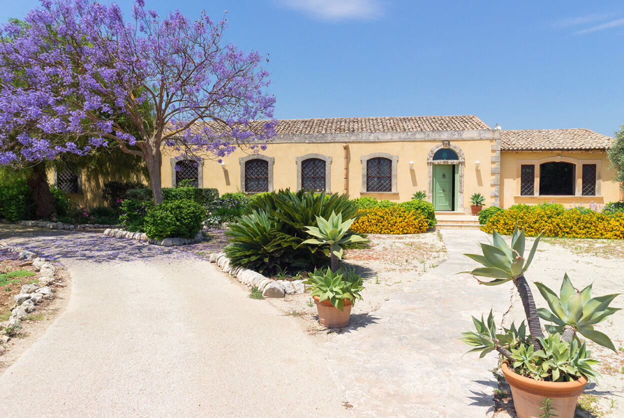 Villa Siracusa, Siracusa, Sicily | villas for rent, villas to rent